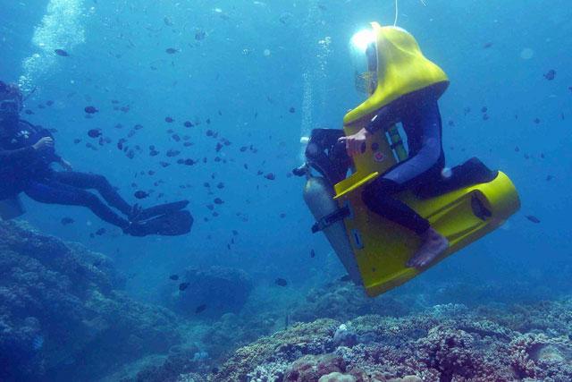 Mini-Submarine,-The-Underwater-Scooter!