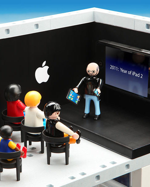 PLAYMOBIL(TM) Apple Store Playset 2