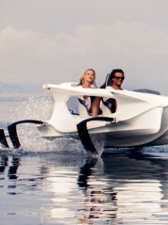 Quadrofoil - Electric Hydrofoiling Watercraft 1