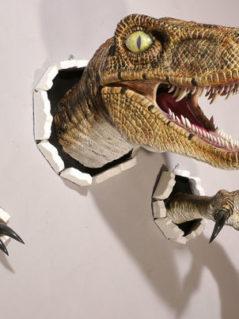 Realistic Wallbursting Velociraptor & Claw Set 1